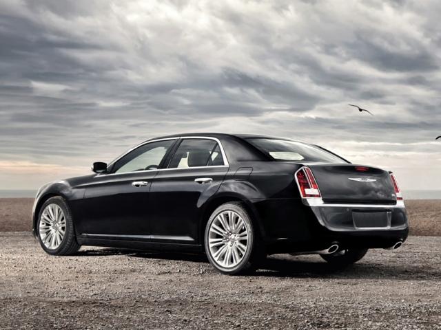 2012 Chrysler 300C Lee's Summit, MO 2C3CCAPT9CH312302